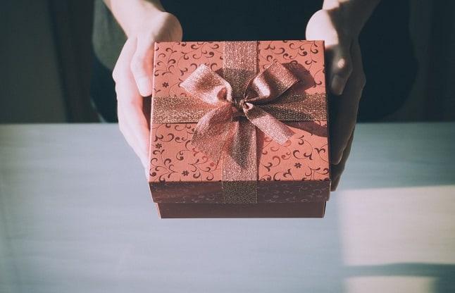 Pengertian Hadiah - Tabung Wakaf