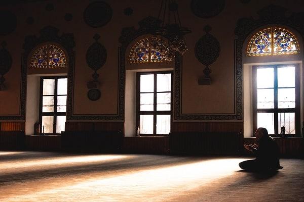 Bulan Rajab Waktu Istimewa untuk Berdoa - Zakat.or.id