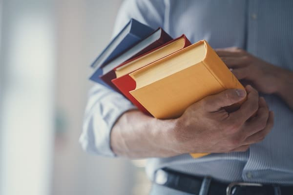 Bawa buku untuk Investasi Ilmu Pengetahuan