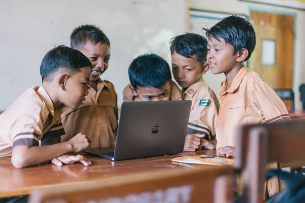 Manfaat investasi syariah untuk Pendidikan