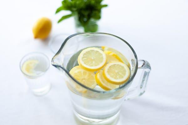 Minum Air Putih Sebagai Investasi Kesehatan - Tabung Wakaf