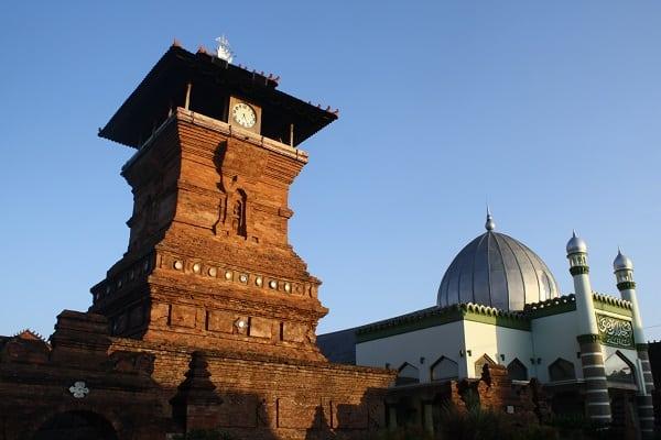 Wakaf Masjid Kudus di Indonesia